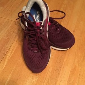 Brooks purple running shoes